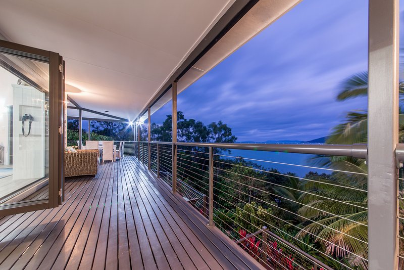 Deck & Sea View