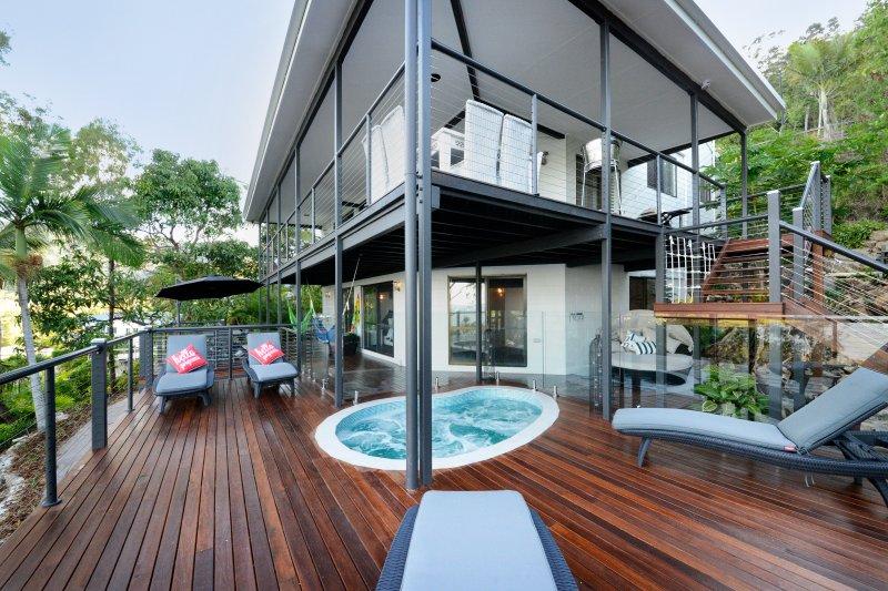 External View, Slash Pool