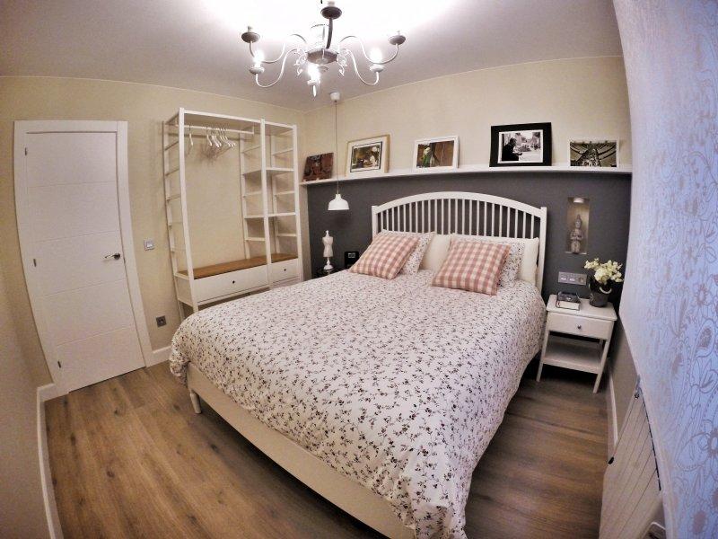Queen Room Side 160x200