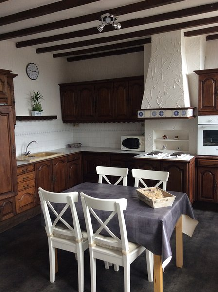 Appartement spacieux hyper centre de Saint Omer, holiday rental in Wizernes
