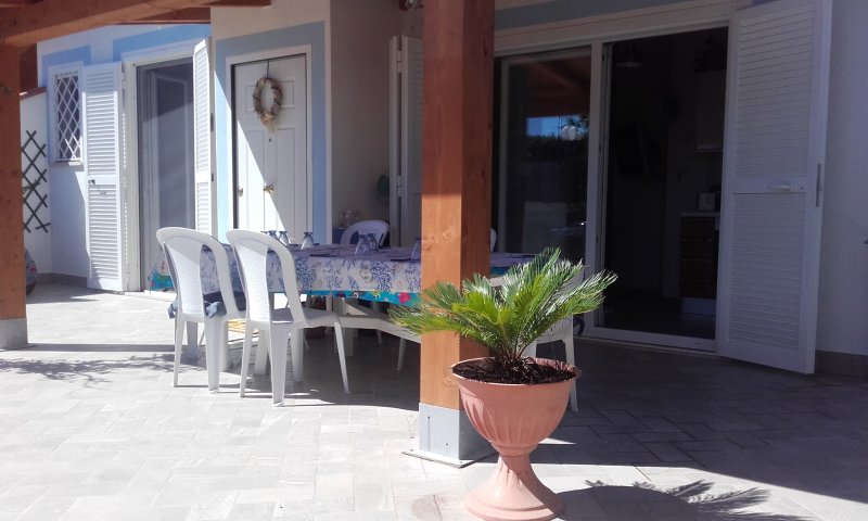 Villino sul lungomare del Circeo, holiday rental in Colonia Elena