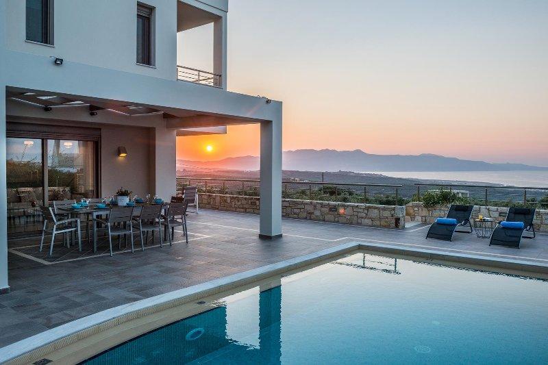 Dioni Luxury Seaview Villa, Kontomari Chania, vacation rental in Kontomari