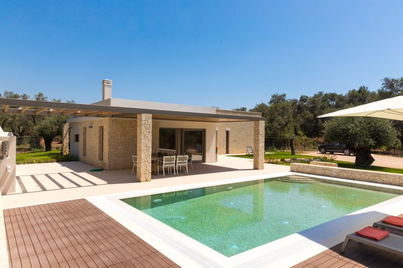 Villa Ianira, holiday rental in Halikounas