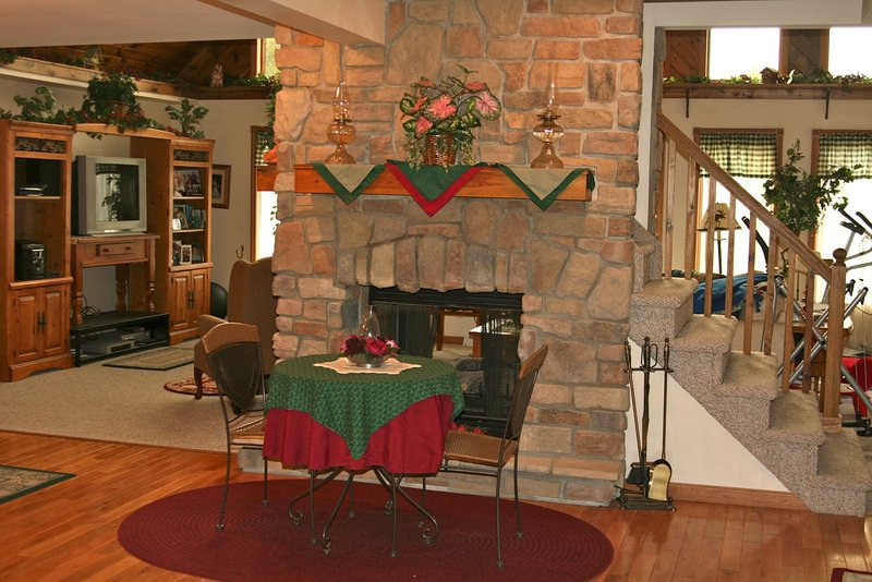 $650 a month lodge style room/kitchen/laundry, holiday rental in Armstrong County