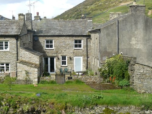 Joiner's Cottage, a spacious, comfortable cottage in Thwaite, Yorkshire Dales, vacation rental in Yorkshire Dales National Park