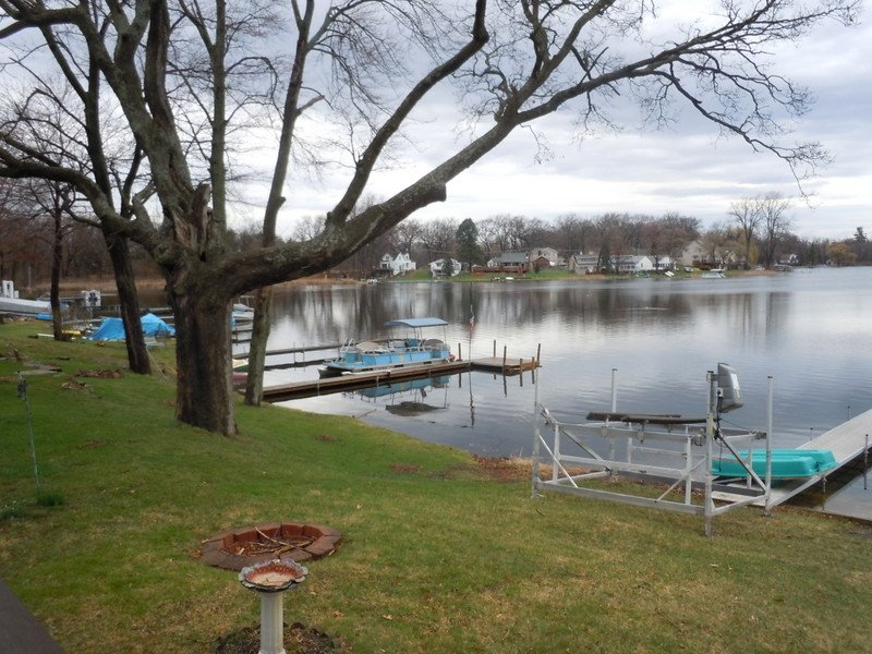 Charming Cottage on Round Lake, holiday rental in Stevensville