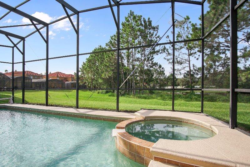 Spa. Muy agradable para disfrutar de la luna de esta zona de la piscina.
