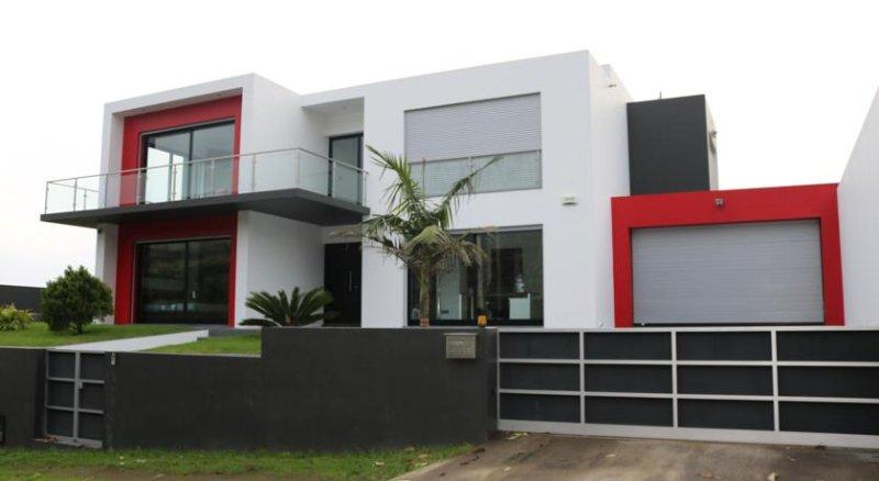 Vivenda de Luxo em São Miguel!, holiday rental in Relva