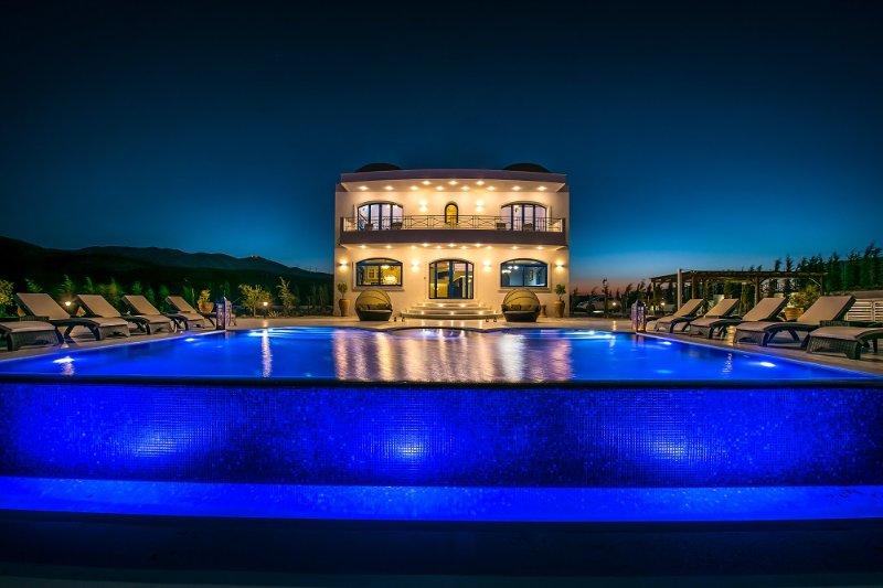 Villa Santorini, Wine Dark Sea Villas, holiday rental in Mades