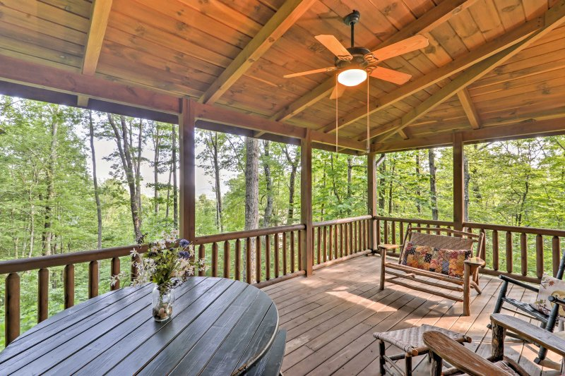 Private Cashiers Cabin in Sapphire Valley Resort!, holiday rental in Sapphire