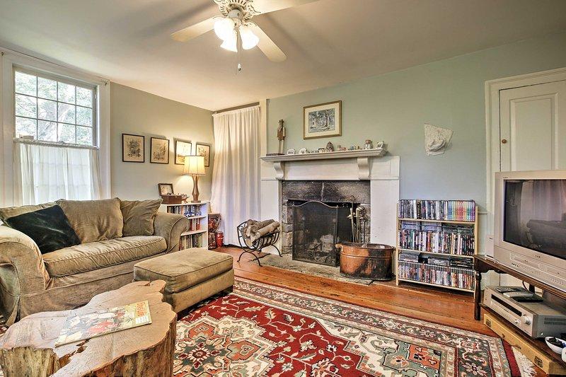 La casa presenta todo su encanto original junto con comodidades modernas.
