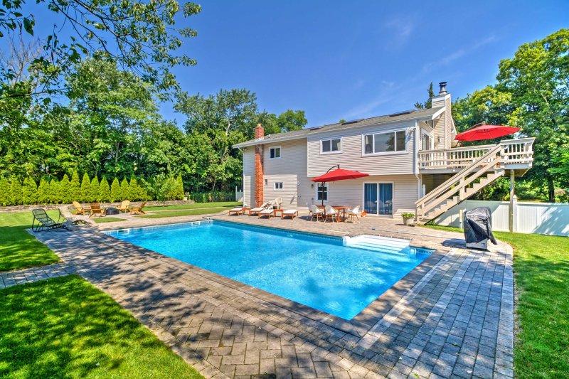Cette fantastique location de vacances Hampton Bays 6BR, 2 bains est l'escapade idéale.