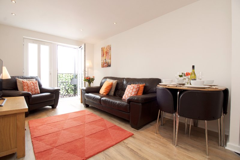 Centrally located 1 With Parking/Balcony, aluguéis de temporada em Chester