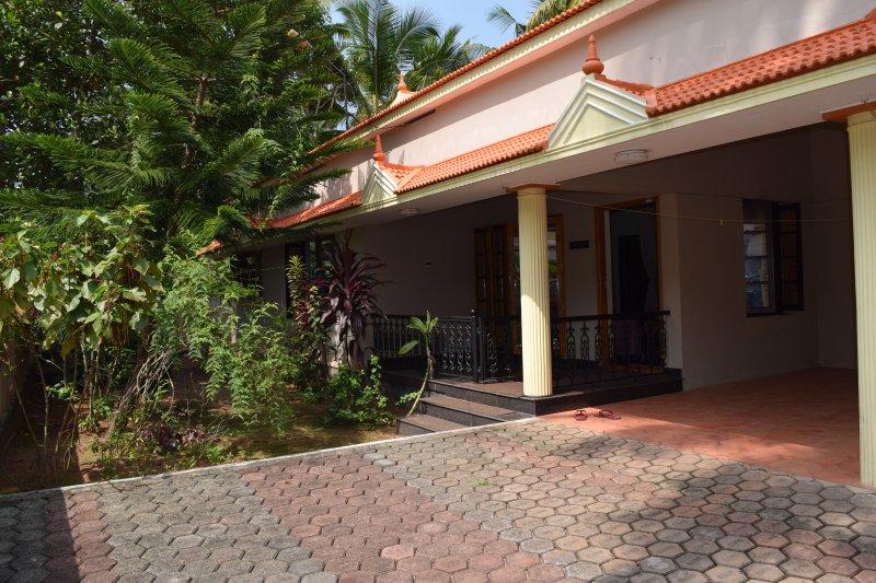 Home Stay, vacation rental in Kottarakkara