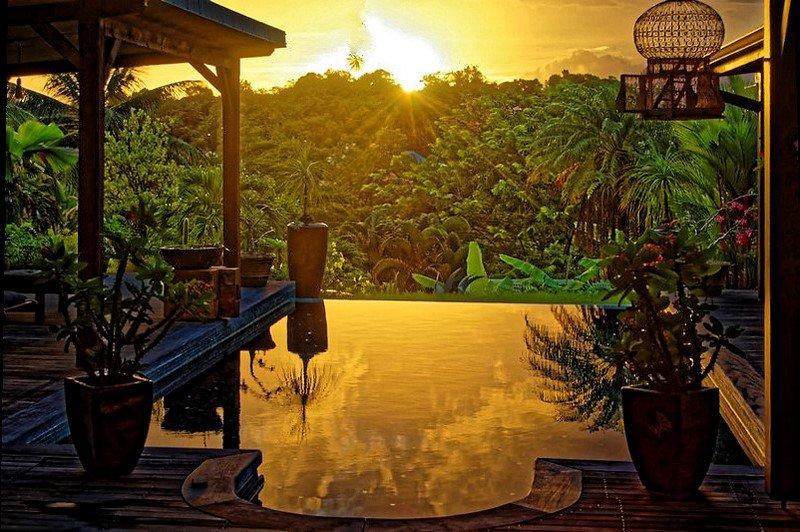 bungalow créole piscine avec cuisine, Ferienwohnung in Ducos