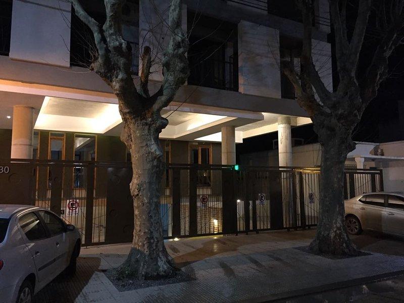 EXCELENTE DEPARTAMENTO DE 1 AMBIENTE, alquiler vacacional en Campana