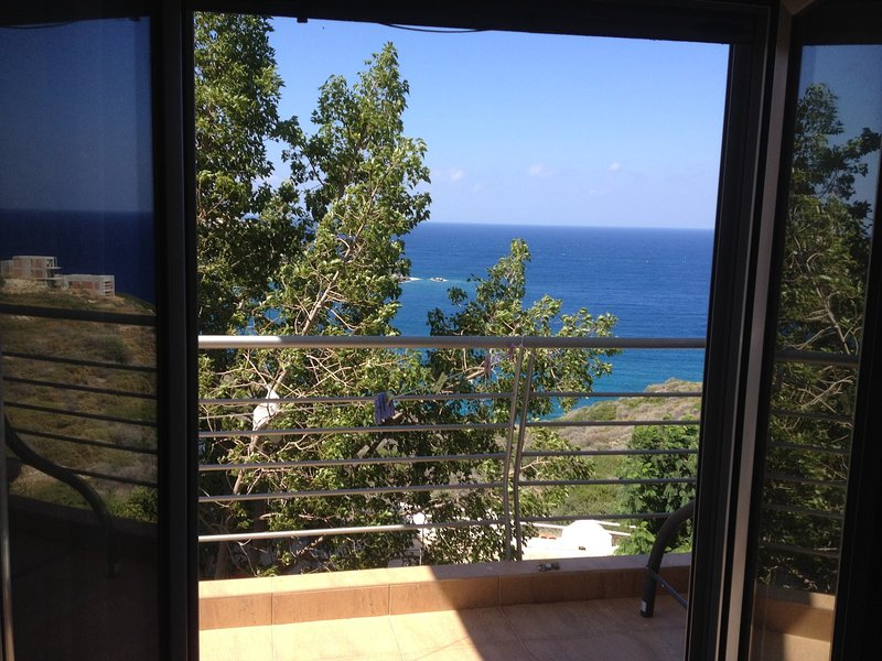 Appt with nice view in convinient location, holiday rental in Mades