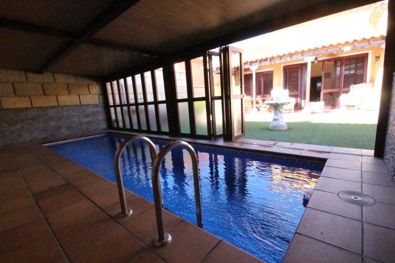 piscina exterior e interior