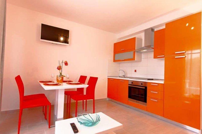 Apartmani Domino 8 orange, location de vacances à Dramalj