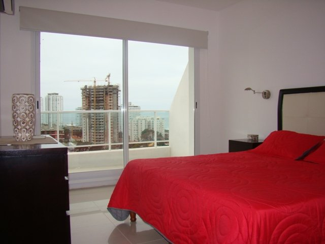 DEPARTAMENTO EN PENTHOUSE A PASOS DE TODO p/ 5 - 6 Personas, holiday rental in Maldonado Department