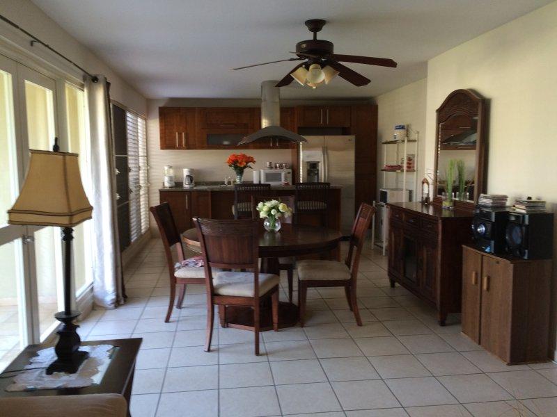 Open floor kitchen & family room plan.