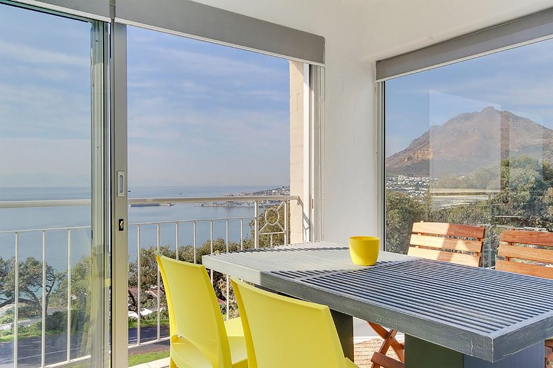 Bay Views - 2 bedrooms, holiday rental in Simon's Town