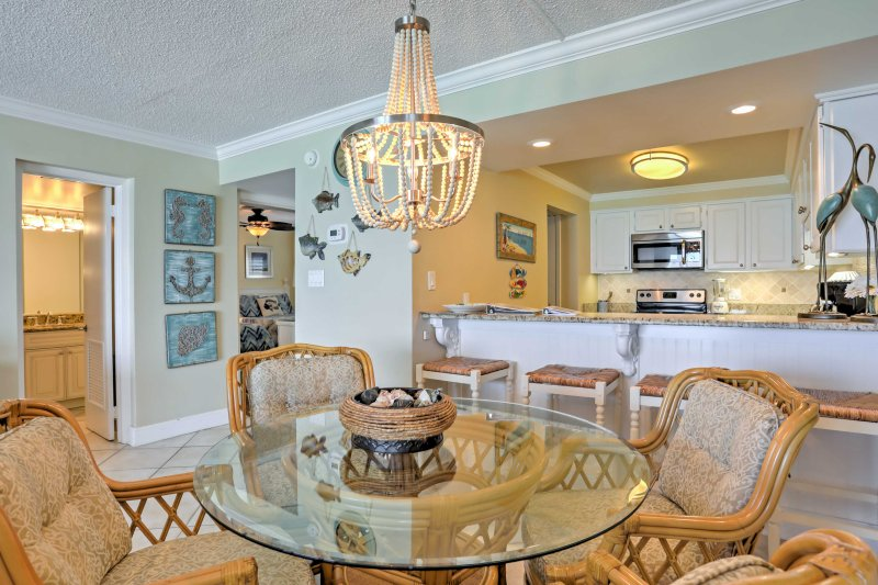 Reunir em torno da mesa de jantar para compartilhar refeições e passar tempo de qualidade com seus entes queridos.