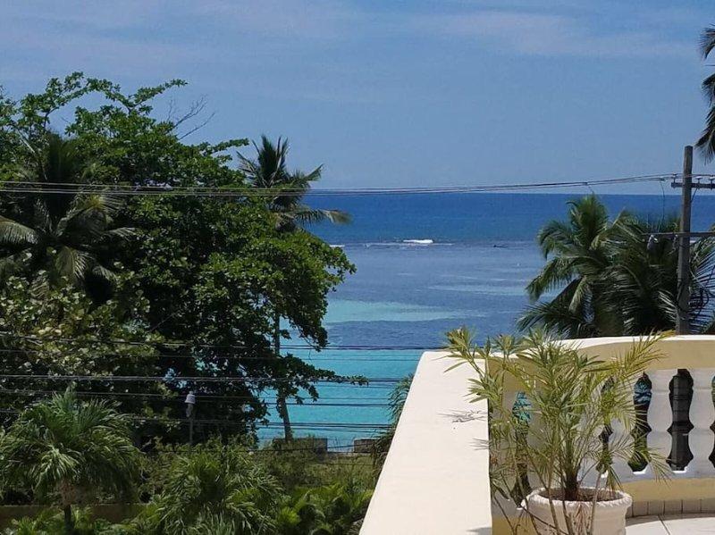 OCEAN VIEW CONDO, aluguéis de temporada em Boca Chica