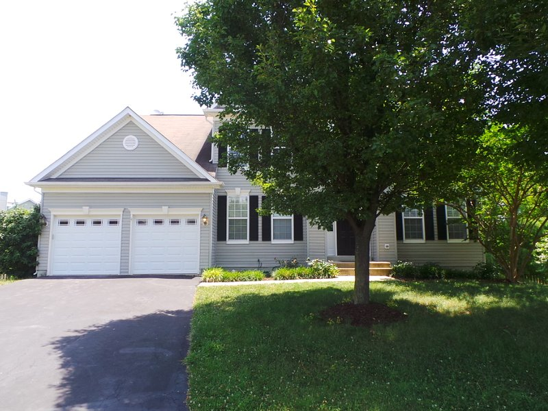 Beautiful & Spacious Detached Home, holiday rental in Aldie