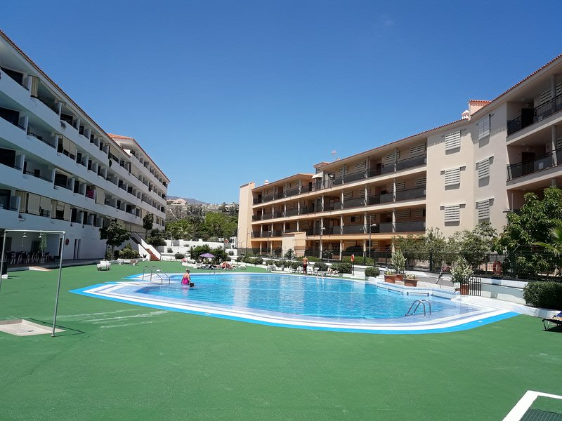 Summerland LC Apartments, holiday rental in Los Cristianos