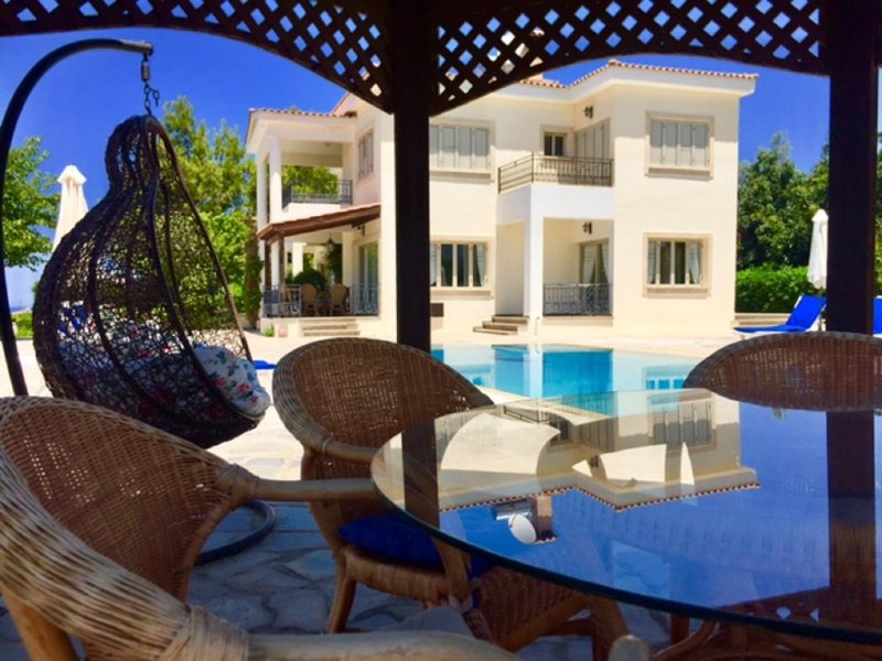 Villa Demetra is in a quiet area, with private swimming pool, stunning view, BBQ and free WI-FI.