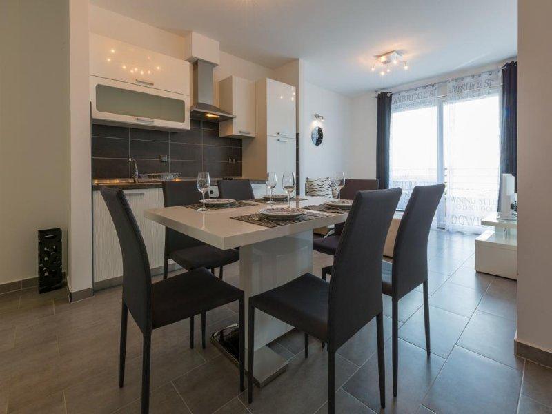 Apartmani Domino 14 silver, location de vacances à Dramalj