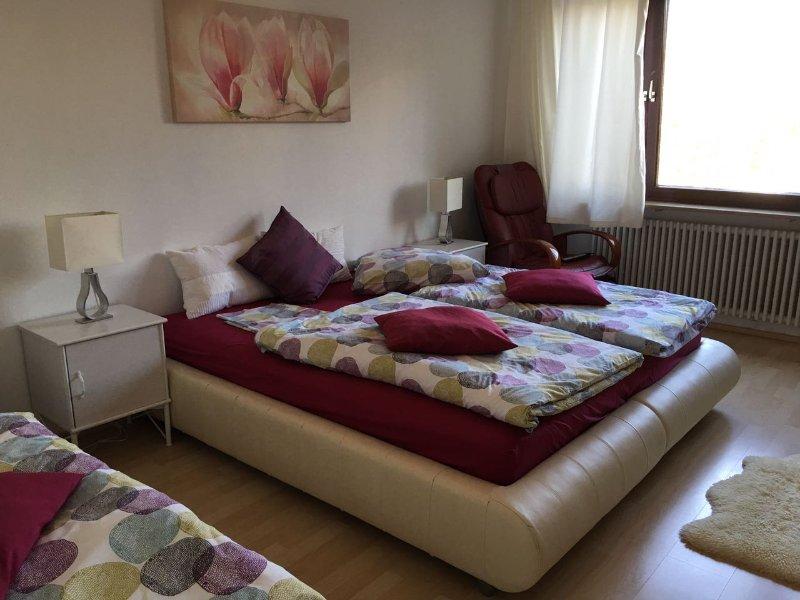 Möblierte Wohnung 70 m² Nähe Pep Einkaufszentrum in Waldperlach., alquiler de vacaciones en Múnich