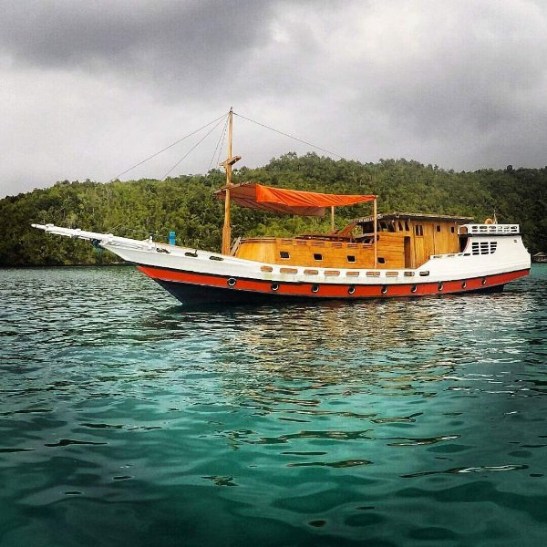 Bima Amanta Explorer' is a semi liveaboard boat for snorkeling, vacation rental in West Papua