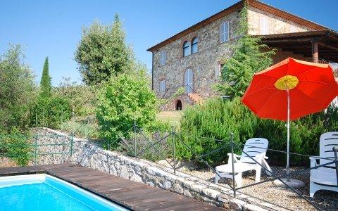 villa with pool in Tuscany - VILLA CLAUDIA, vacation rental in Castelnuovo Berardenga