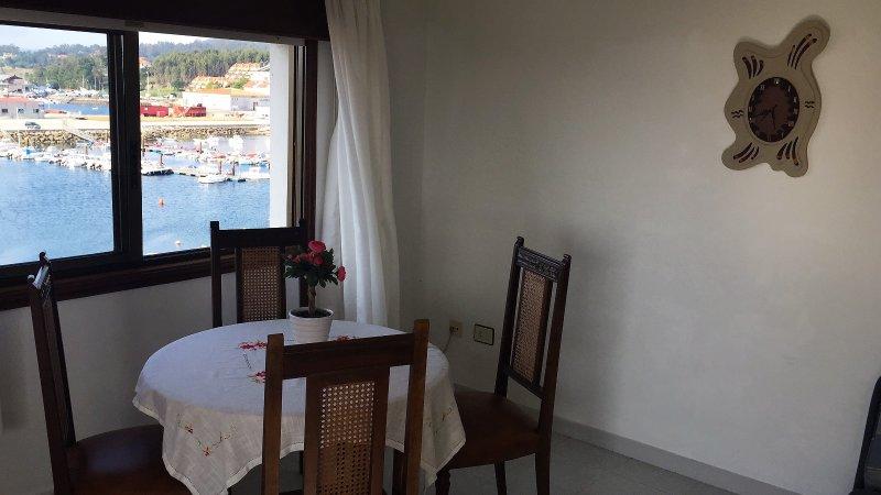 Portosin, Vistas a la playa y al puerto, holiday rental in Outes
