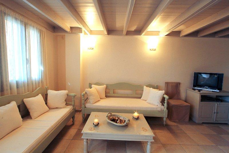 Lydia Lithos - House No 3, location de vacances à Agios Isidoros
