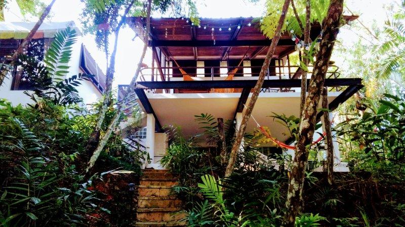 Bienvenidos Casita Verde Lake Side Retreat 1BR Apt at Casa Del Sol PR, vacation rental in Trujillo Alto