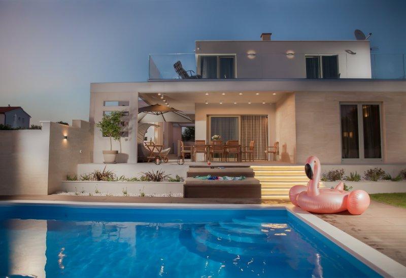 Private Villa With Pool - VILLA DOMINO, holiday rental in Primosten