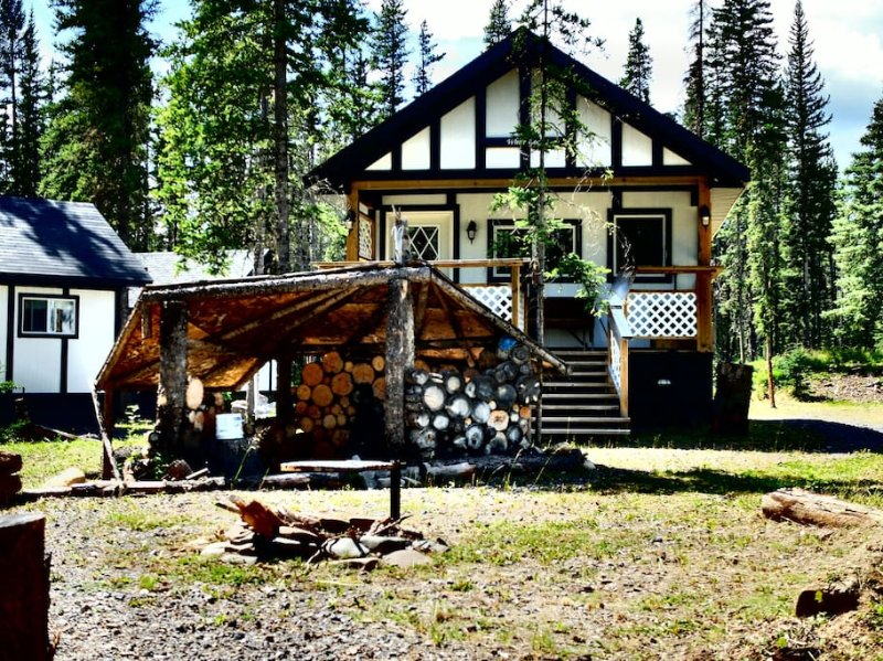 Expanse Cottages - White Goat, vakantiewoning in Clearwater County
