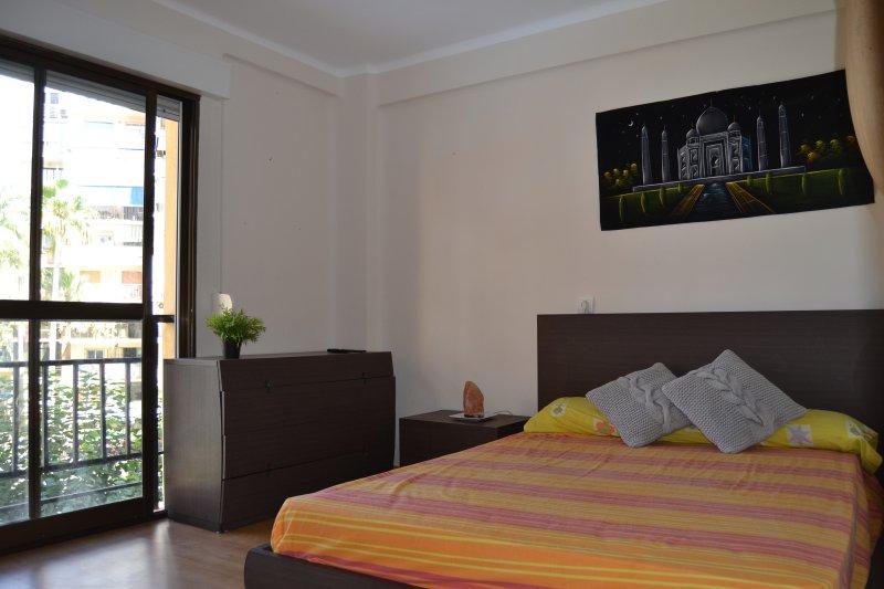 Schlafzimmer mit Queen-Size-Bett / Zimmer mit Doppelbett