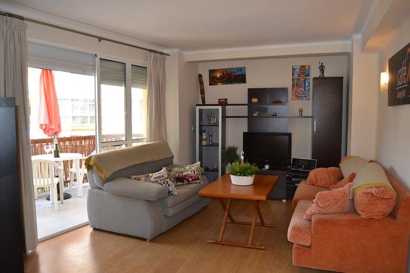 Wohnzimmer mit Terrasse / Wohnzimmer mit Terrasse