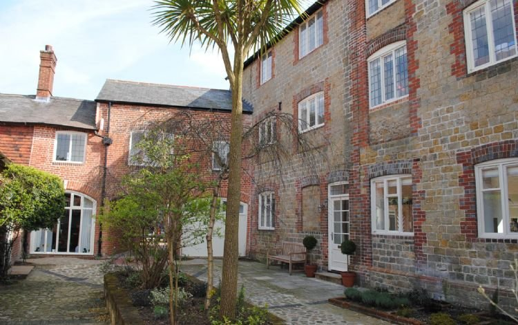 11 Angel Yard, Midhurst, holiday rental in Haslemere