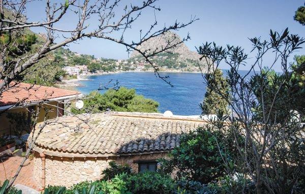 VIilla Giosa sul golfo di Capo Zafferano detto Cappello di Napoleone, casa vacanza a Santa Flavia