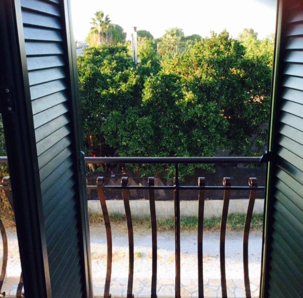 Utsikten från sovrummet på övervåningen främre balkongen