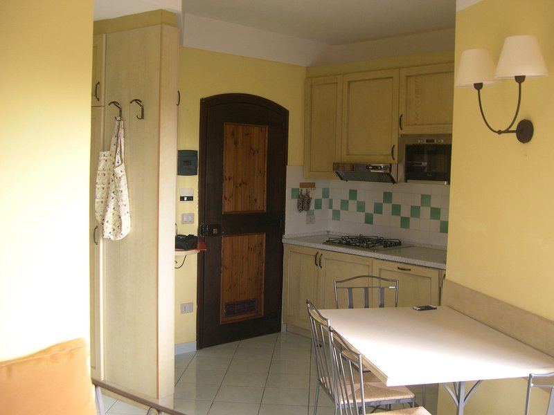 Cottage-apartment Surrounded By Unspoilt Nature On The Coast, casa vacanza a La Marinedda