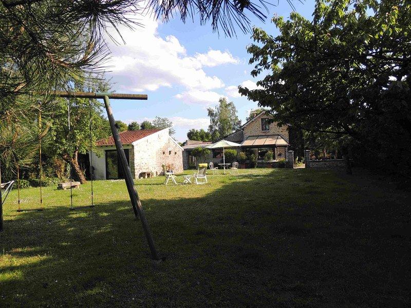 maison coup de coeur dans un village classé à proximité  de la forêt, aluguéis de temporada em Nainville les Roches
