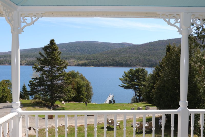 REDUCED RATES! Oceanfront W/Hot Tub+Fire Pit: Featured on Fine Living Channel, holiday rental in Mount Desert Island