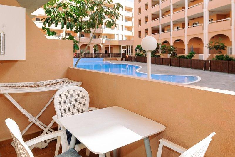 Apartamento renovado con dos terrazas y piscina, alquiler de vacaciones en El Médano