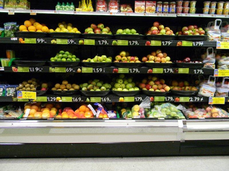 Shop'n Guardar supermercado de Landry al otro lado de la calle